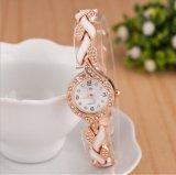 Het Horloge van de Armband van de goedkope Vrouwen van de Legering
