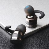De Toebehoren van de telefoon de Mobiele Hoofdtelefoon van Bluetooth van het in-oor van de Oortelefoon Tws met het Laden van Geval