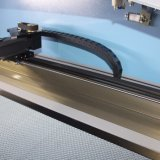Máquina de corte e gravura a laser de alta qualidade para acessórios elétricos (JM-640H)
