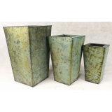Prateleira quadrada galvanizada de vaso de jardim tradicional