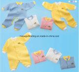 Mamelucos suaves y termales del bebé del otoño/del invierno. Mono del bebé, mameluco del bebé