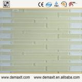 La venta caliente Foshan Mano-Cortó el mosaico del vidrio de mosaico del arte de la pared del diseño