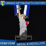 Изготовленный на заказ античный бронзовый металл 2017 резвится медальон
