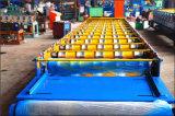 A telhadura de aço do metal da cor cobre a máquina
