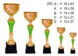 Le trophée en métal, beaucoup de couleurs et le logo sont disponibles
