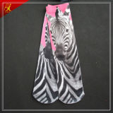 Chaussettes d'impression de cheval roses et modèle noir d'impression