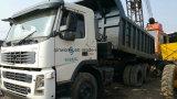 매체 6by4/10tyres 디젤 연료 사용된 Volvo 광업 쓰레기꾼 트럭 (15CBM/30TON)