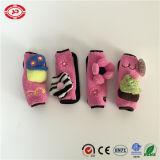 분홍색과 까만 주문 안전 벨트 덮개 차 아기 필수적인 장난감