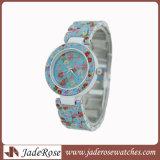 Wristwatch цветастых и способа сплава