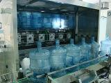 Máquina de rellenar del agua del compartimiento de 5 galones