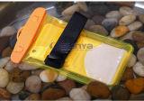 ユニバーサルPVC腕章の防水袋をサーフする背部ストラップスロットデザイン水泳