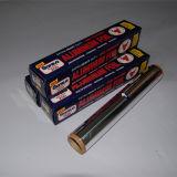 지팡이가 부엌 사용 알루미늄 호일 감싸는에 의하여 구른다 비