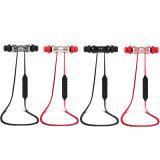 Le stéréo sans fil magnétique de vente chaud d'écouteur folâtre l'écouteur de Bluetooth