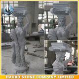 Columna griega romana del granito romano de las columnas con las esculturas