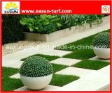 Tappeto erboso sintetico di giardinaggio con la sensibilità morbida