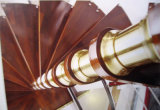 Домашняя польза строительных материалов в крытой винтовой лестнице
