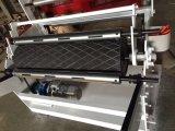 Máquina expulsando da mini película de nylon plástica