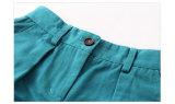 La baia della Biscaglia scherza i vestiti dei bambini che coprono gli Shorts delle ragazze in linea