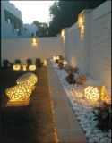 Im Freiengarten-Sandstein-Kugel-Beleuchtung-Skulptur-Audios-Lautsprecher