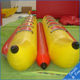 Jogo do parque da água do barco de banana inflável