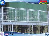 溶接された鋼鉄手すり(SSW-S-009)が付いている現代設計されていた階段かプラットホーム