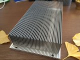 Placa de alumínio do dissipador de calor que carimba para introduzir aleta ligada