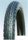 2.75-18대의 기관자전차 타이어와 관을 시장에 내놓는 탄자니아