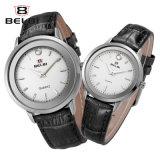 O par de Belbi presta atenção ao prego simples enfrentar os homens de couro do negócio e o relógio impermeável das mulheres
