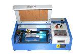 Mini machine de gravure de laser de l'estampille 3020 recherchant l'agent