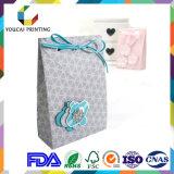 Concevoir le sac à provisions de luxe de sac de papier avec le traitement