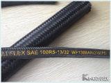 A matéria têxtil da trança do fio cobriu a mangueira (o combustível R5 do SAE 100 resistente)