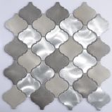 Mosaïque en aluminium et carreau en verre