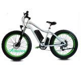 E-Fahrrad-Gebirgsfahrrad vom elektrischen motorisierten Fahrrad mit grossem Reifen