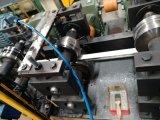 Rullo automatico della barra del soffitto T di taglio di volo che forma macchina