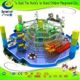 Земля спортов приключения самых популярных привлекательных детей курса веревочки парка атракционов сложная