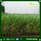Alfombra al aire libre del césped sintetizado que ajardina la hierba artificial
