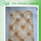 HPLを形作るFormicaの装飾的な積層物かポスト