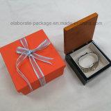 Коробка шикарного лоснистого деревянного кольца подарка ювелирных изделий упаковывая