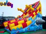Castelo inflável do navio de pirata com corrediça