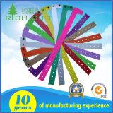 卸売のための創造的なデザインの多彩なシリコーンのリスト・ストラップ