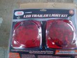 Lumière de remorque avec double enveloppe blister et boîtier résistant à la corrosion (PB80012)