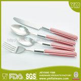 Großhandelsqualitäts-umweltfreundliches buntes Plastikgriff-Löffel-Gabel-Messer-Set
