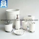 Accesorios del cuarto de baño del uso del hotel y accesorio de cerámica del cuarto de baño de la porcelana con el conjunto del plato de jabón