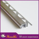 La decorazione di alluminio flessibile del bordo dei controsoffitti di qualità di aggiornamento mette a nudo arrotondare la punta della scala