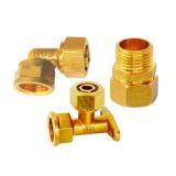 Accessorio per tubi ed accoppiamento d'ottone