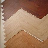 ヘリンボン寄木細工の床の設計されたカシ木フロアーリング