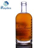 Botella de cristal de la maneta para el whisky