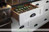 白い食器棚(WH-D314)によって供給される豪華な台所デザイン