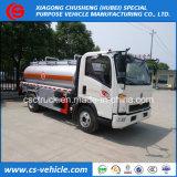De lichte Bijtankende Vrachtwagen van de Olie van de Tankwagen van de Brandstof van Sinotruk HOWO 4X2 5000L van de Plicht 5m3