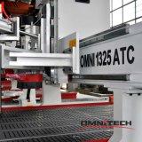 Маршрутизатор CNC 4 осей с автоматическим изменением инструмента